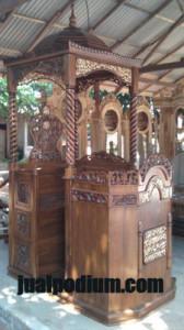 Mimbar Masjid Atap Kubah