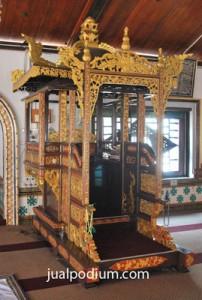 Mimbar Masjid Mewah Jati Emas