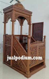 Mimbar Masjid Atap Kubah Pintu Depan